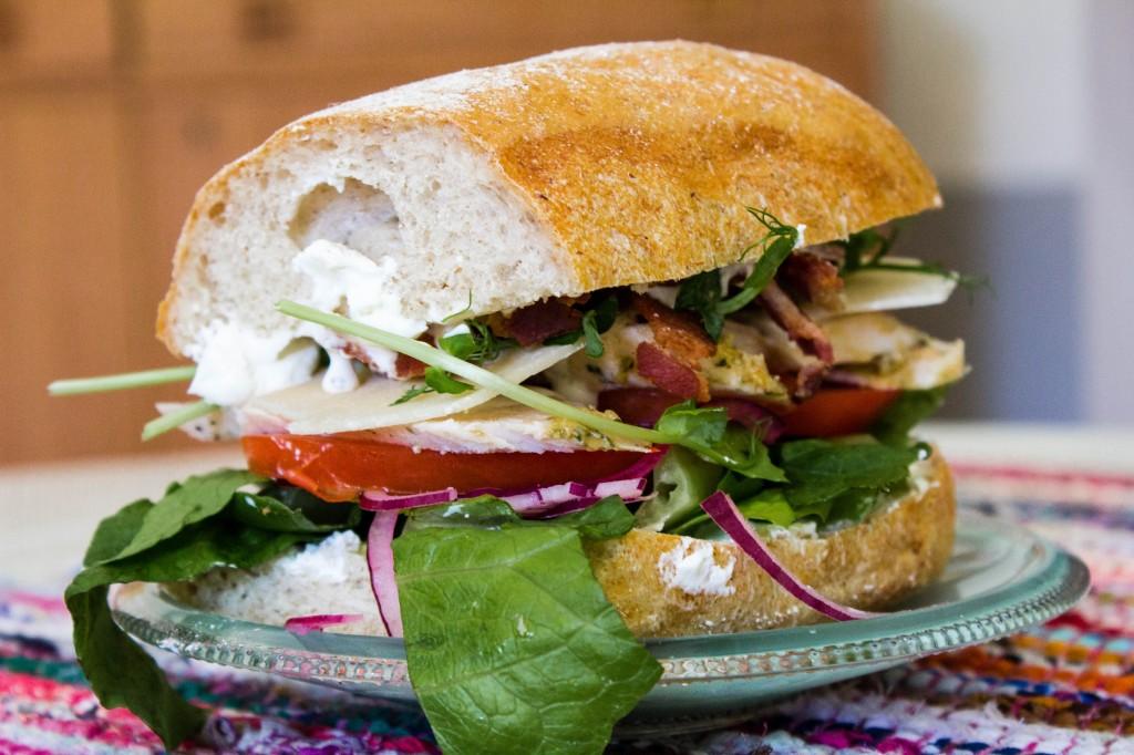 Caesarsmörgås på Familjens Deli