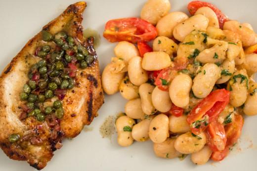 Stekt kyckling med varm bönsallad och kaprissmör