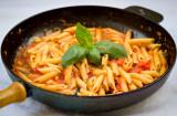 Pasta med färsk tomatsås